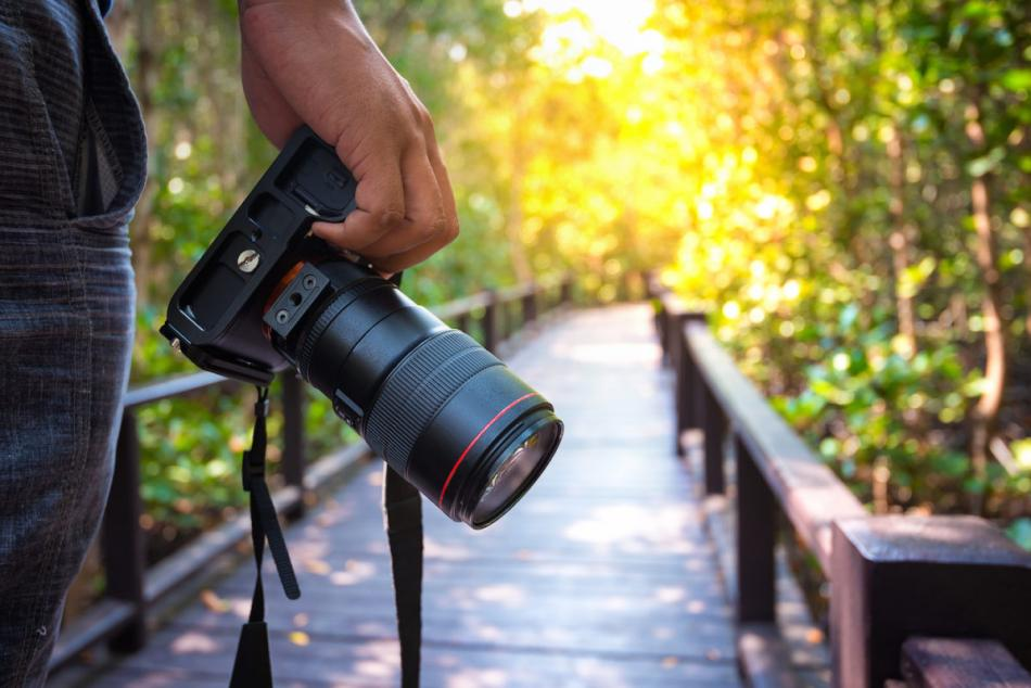 Kamera Sudah Menjadi Bagian Tak Terelakkan dari Keeksisan Masa Kini